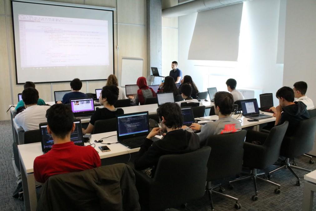 Başakşehir Living Lab'de WEB Programlama Eğitimi