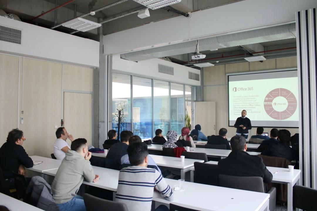 Başakşehir Living Lab'de Teknoloji Konuşuldu