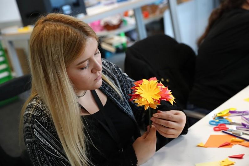Modüler Origami ile Rengarenk Çiçekler