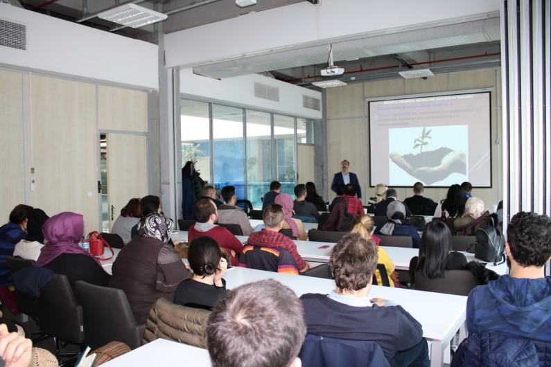 """Girişimciliğin Detaylarını """"Başakşehir Living Lab'de"""" Öğreniyorlar"""