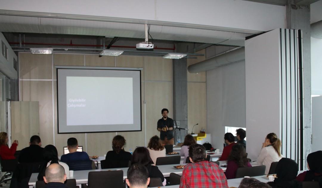 """Başakşehir Living Lab'de """"Giyilebilir Teknoloji"""" Eğitimi"""