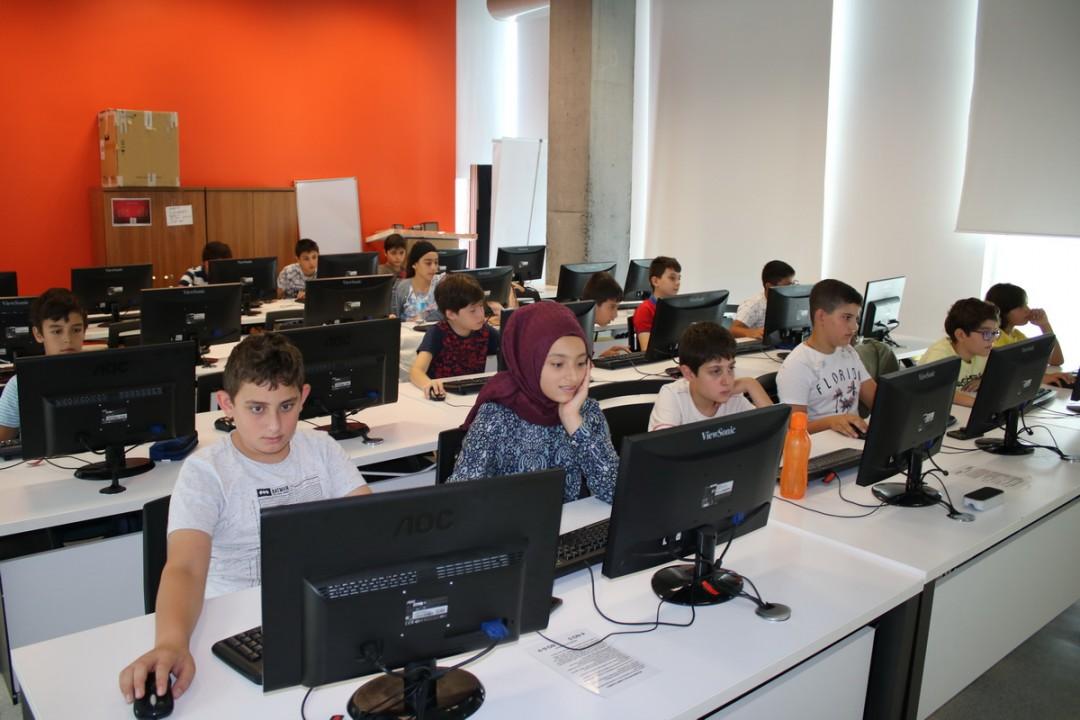 Başakşehir Living Lab'te Çocuklara Yönelik Scracth Eğitimi Verildi