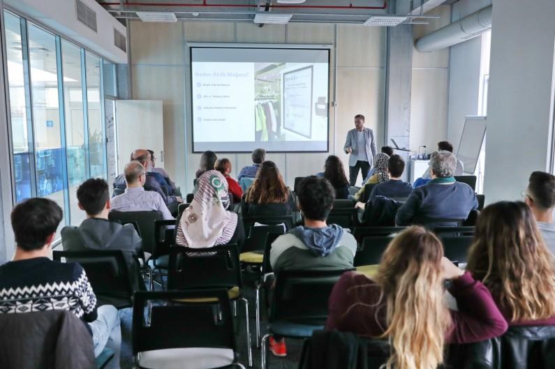 Başakşehir Living Lab'de Kurumsal Teknoloji Eğitimi