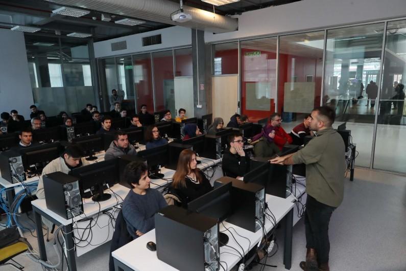 Geleceğin Programlama Dili Eğitimi Başakşehir'de