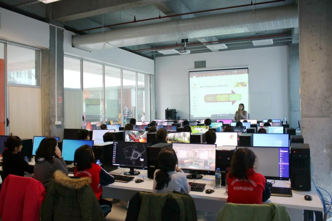 Başakşehir Teknoloji Koridoru Öğrencilere Dokunmaya Devam Ediyor