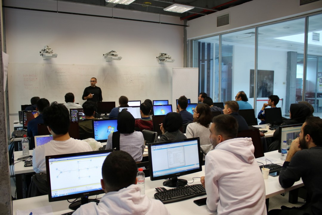 Başakşehir Living Lab'da Cisco Networking Academy CCNA1 Eğitimi